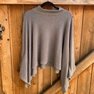 forever 21 • gray poncho style sweater